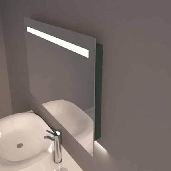 Badkamerspiegel Emby 80x60cm geïntegreerde LED Verlichting Verwarming Anti Condens Touch Lichtschakelaar Dimbaar sfeerfoto zijaanzicht