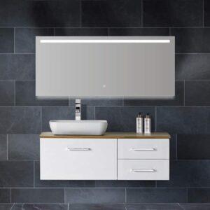 Badkamerspiegel Ambi One Wiesbaden geïntegreerde LED Verlichting Verwarming Anti Condens Touch Lichtschakelaar Dimbaar sfeerfoto