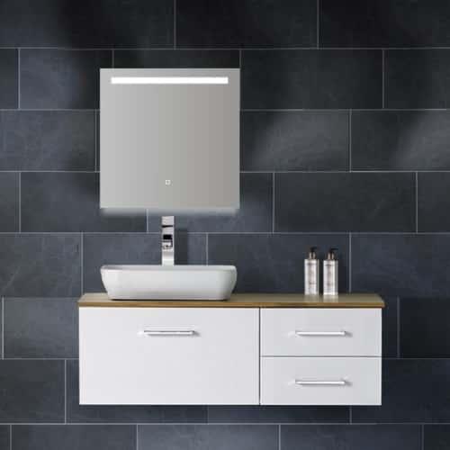 badkamerspiegel-wiesbaden-ambi-60x60cm-geintegreerde-led-verlichting-verwarming-anti-condens-lichtschakelaar-2-1-1